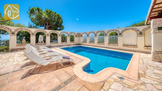Holiday villas Costa Brava Spain - Villa Panorama - Swimming pool