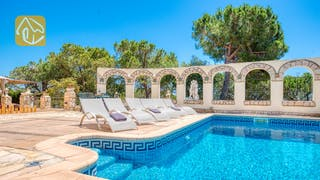 Holiday villas Costa Brava Spain - Villa Panorama - Sunbeds