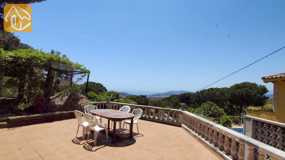 Holiday villas Costa Brava Spain - Villa Maribel - Swimming pool