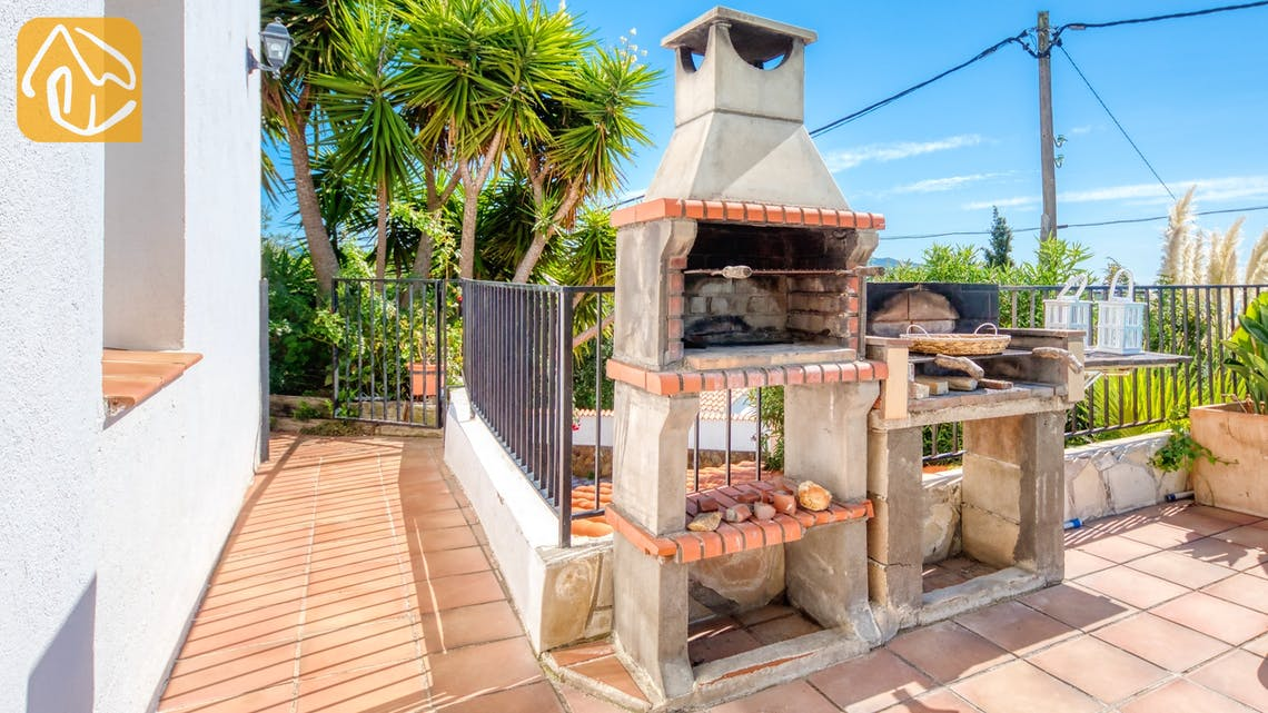 Holiday villas Costa Brava Spain - Villa Sofia - BBQ Area
