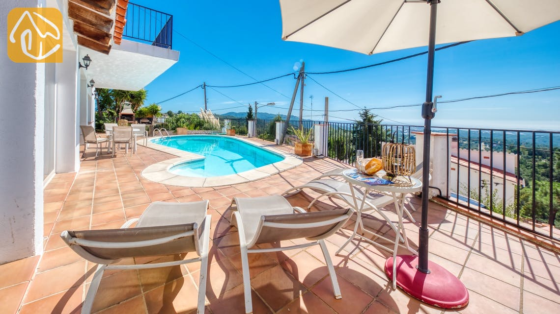Ferienhäuser Costa Brava Spanien - Villa Sofia - Sonnenliegen