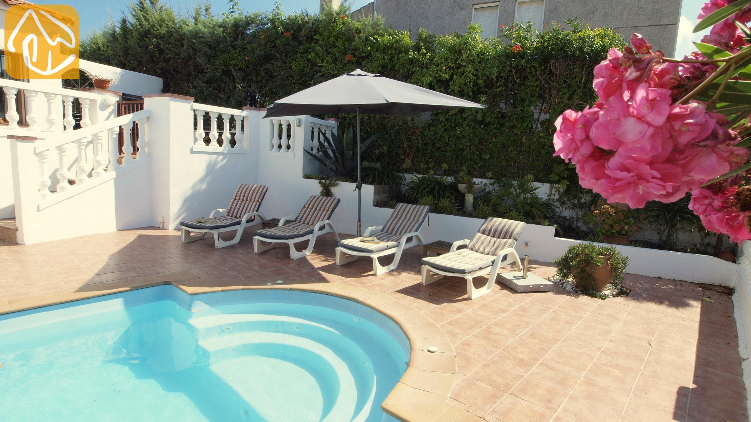 Ferienhäuser Costa Brava Spanien   Villa Liliana   Schwimmbad