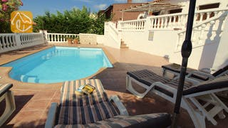 Holiday villas Costa Brava Spain - Villa Liliana - Sunbeds