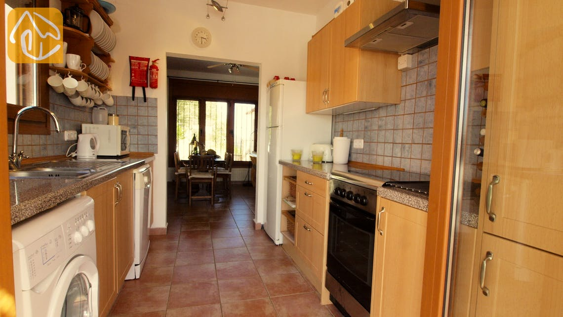 Holiday villas Costa Brava Spain - Villa Liliana - Kitchen