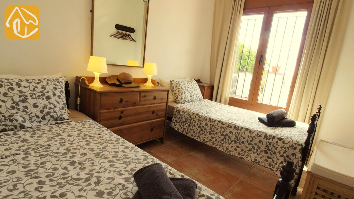 Holiday villas Costa Brava Spain - Villa Liliana - Bedroom