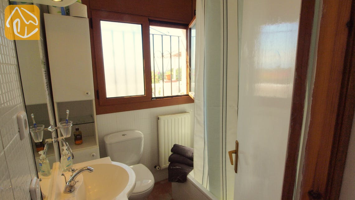 Holiday villas Costa Brava Spain - Villa Liliana - Bathroom
