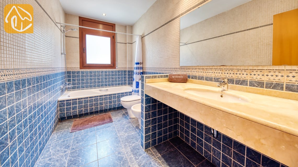 Holiday villas Costa Brava Spain - Villa Marcella - Bathroom