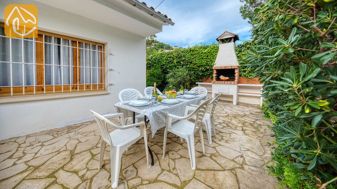 Holiday villas Costa Brava Spain - Villa Leonora - BBQ Area