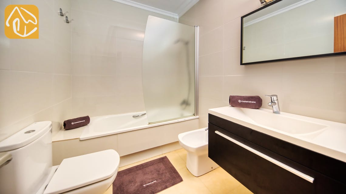 Holiday villas Costa Brava Spain - Villa Leonora - Bathroom