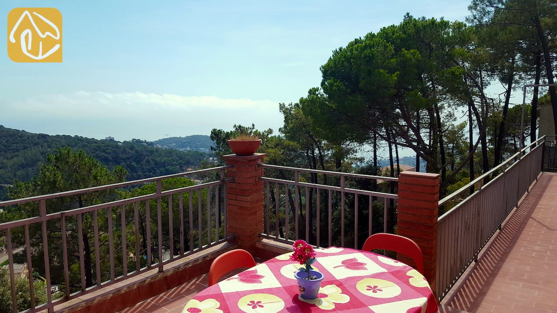 Holiday villas Costa Brava Spain - Villa Margerita - Swimming pool