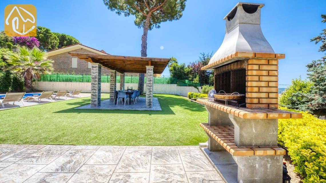 Ferienhäuser Costa Brava Spanien - Villa Paris - BBQ Area