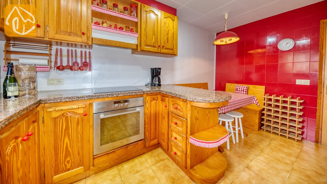 Holiday villas Costa Brava Spain - Villa Joy - Kitchen