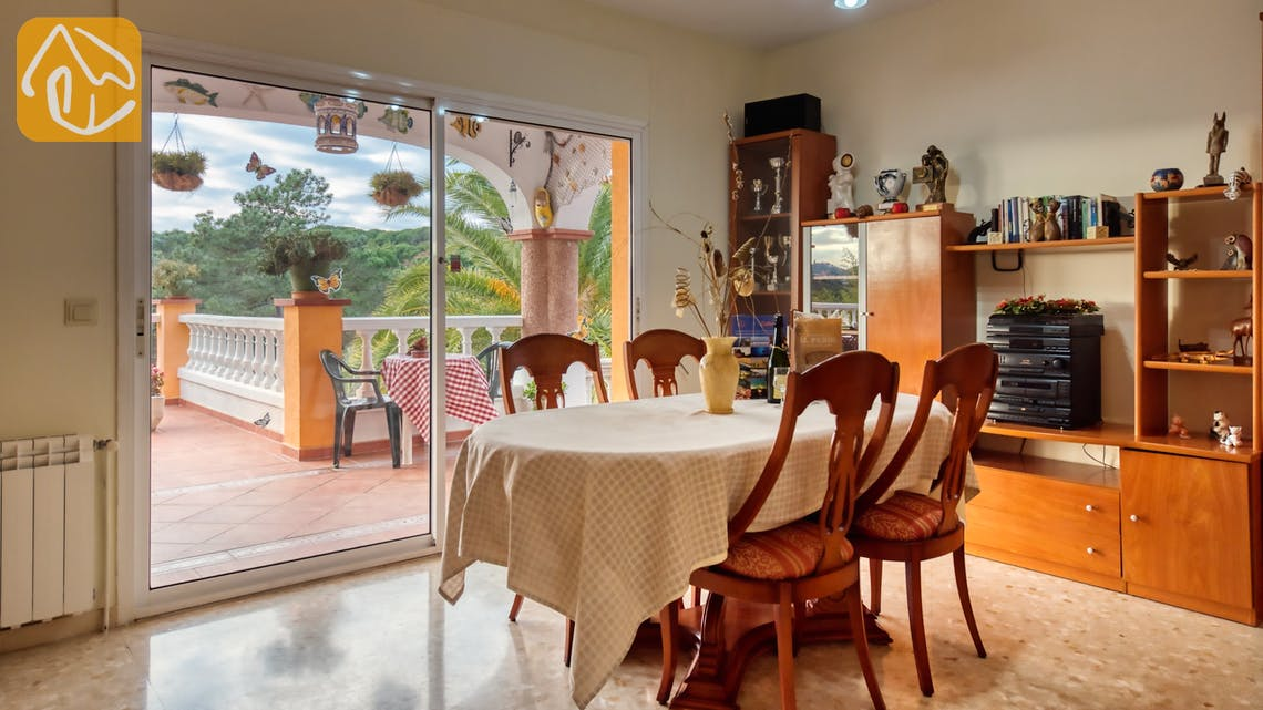 Holiday villas Costa Brava Spain - Villa Joy - Dining area