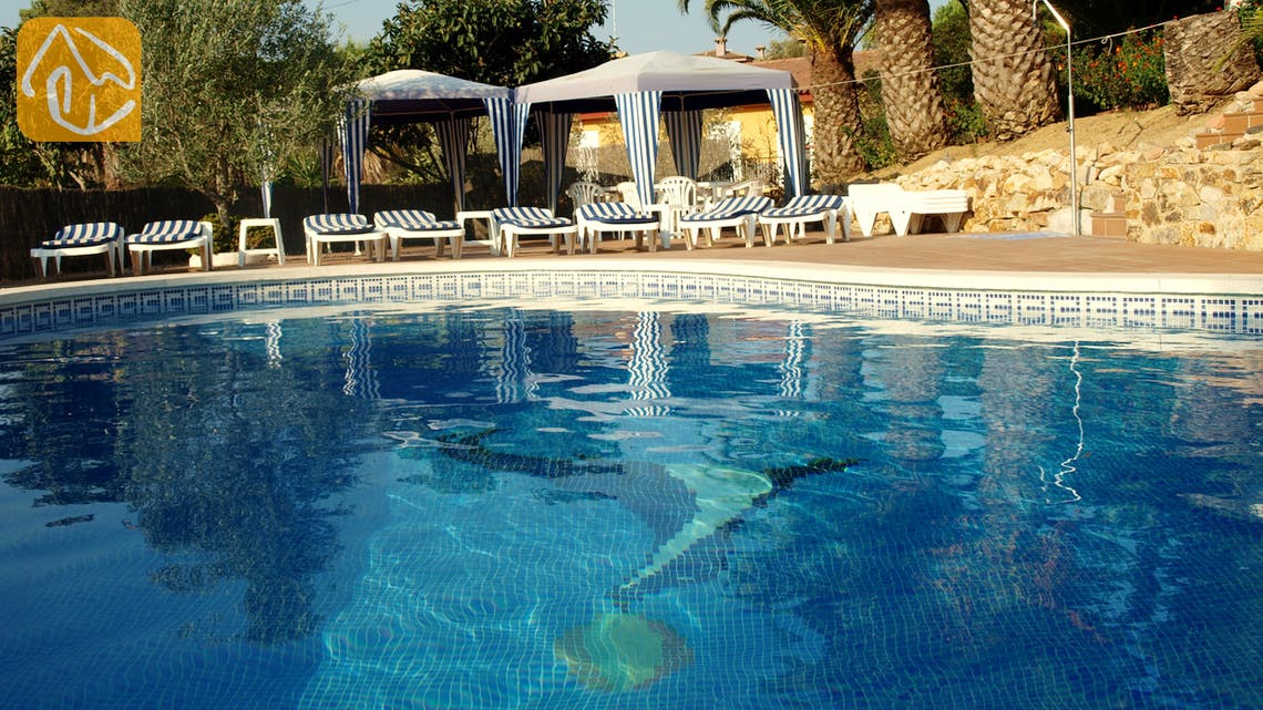 Holiday villas Costa Brava Spain - Villa Joy - Swimming pool