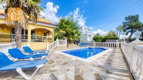Holiday villa Costa Brava Spain - Villa Manuela - Swimming pool