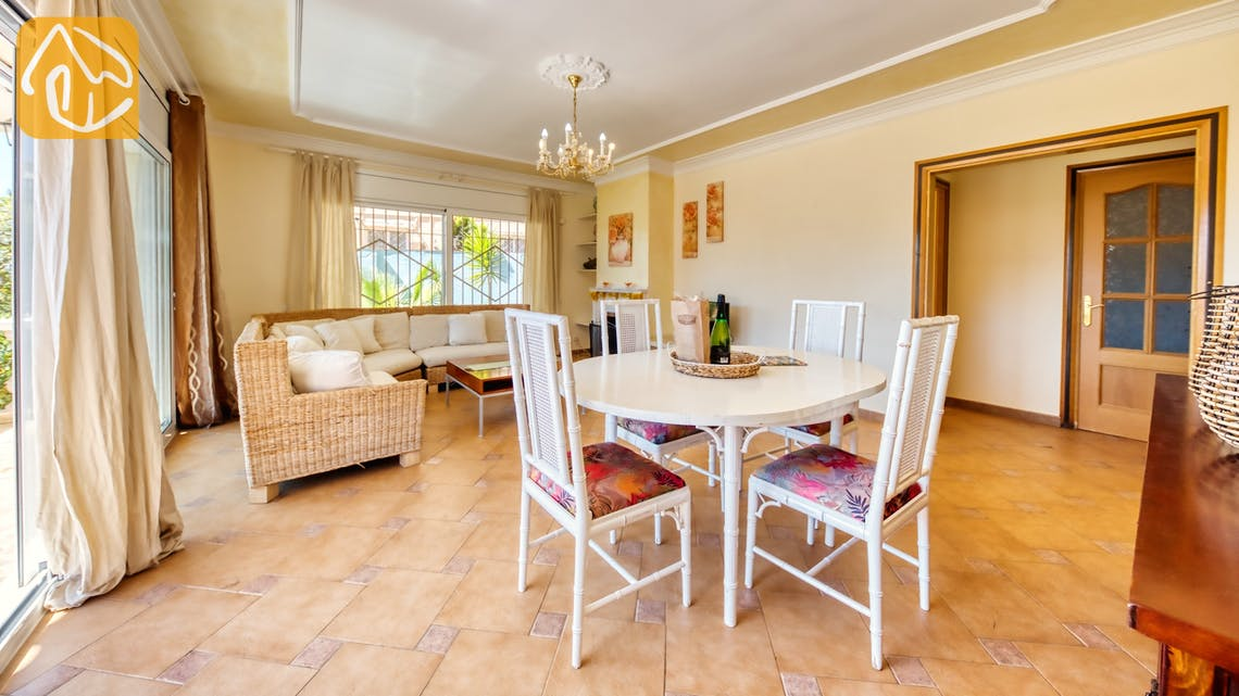 Holiday villas Costa Brava Spain - Villa Donna - Dining area