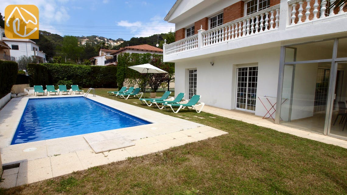 Holiday villas Costa Brava Spain - Villa Jade - Swimming pool