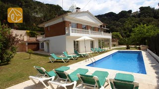 Holiday villas Costa Brava Spain - Villa Jade - Garden