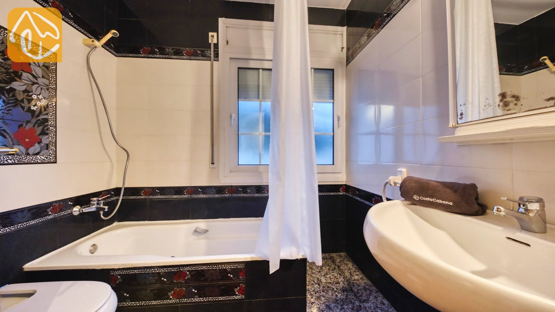 Holiday villas Costa Brava Spain - Villa Rosa - Bathroom