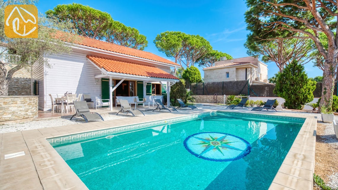Holiday villas Costa Brava Spain - Villa Primavera - Swimming pool
