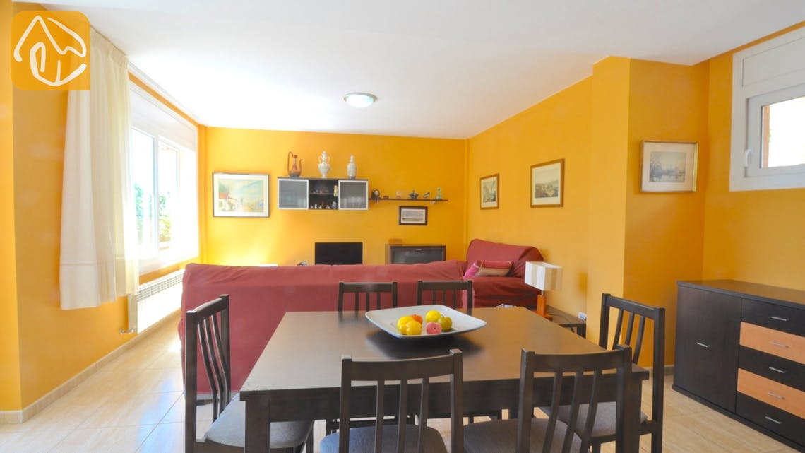 Holiday villas Costa Brava Spain - Villa Rosalia - Dining area