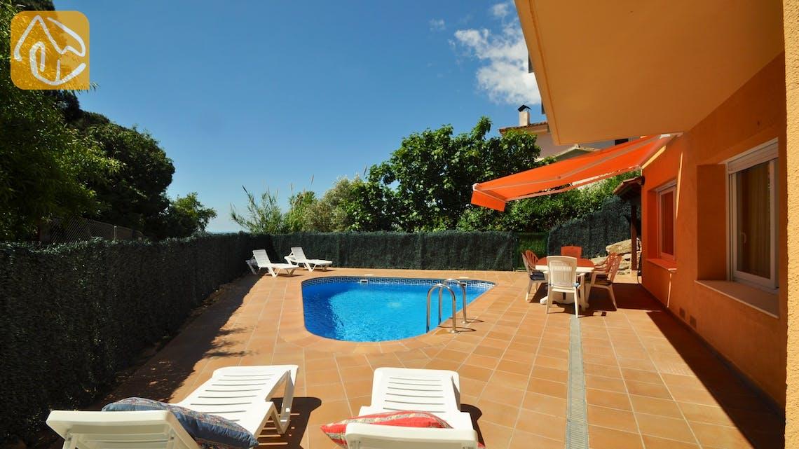 Holiday villas Costa Brava Spain - Villa Rosalia - Swimming pool