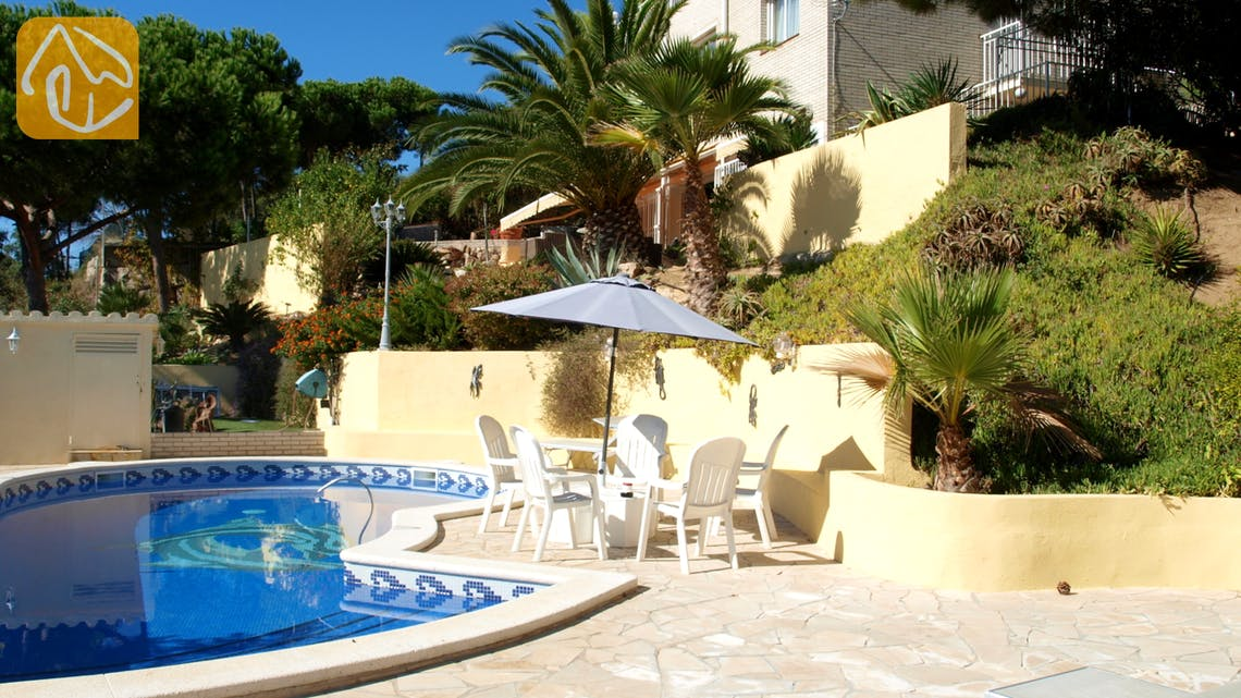 Holiday villas Costa Brava Spain - Villa Capri - Villa outside
