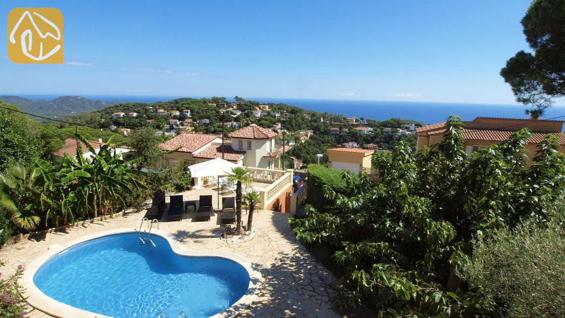 Holiday villas Costa Brava Spain - Villa Amalia - Swimming pool