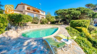 Holiday villas Costa Brava Spain - Villa Riviera - Villa outside