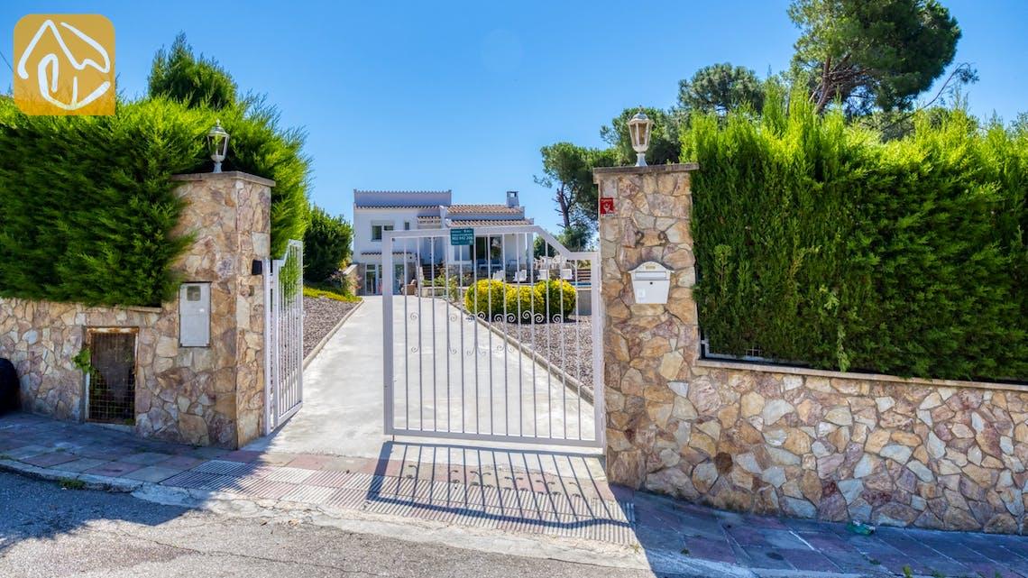Vakantiehuizen Costa Brava Spanje - Villa Violeta - Street view arrival at property