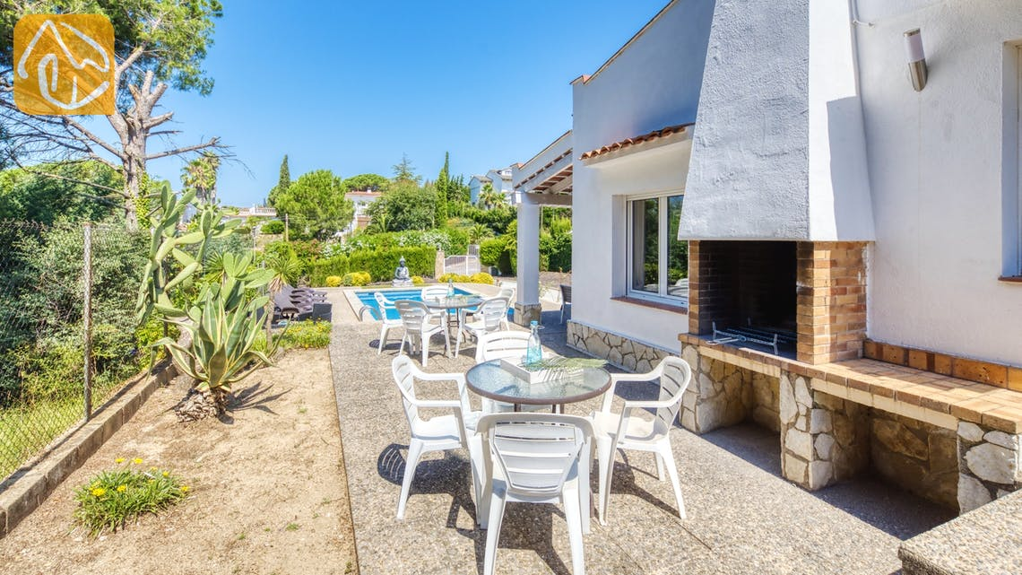 Ferienhäuser Costa Brava Spanien - Villa Violeta - BBQ Area