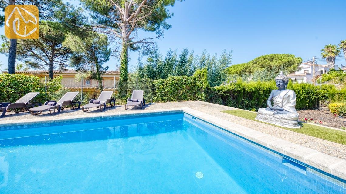 Ferienhäuser Costa Brava Spanien - Villa Violeta - Sonnenliegen