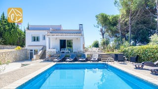 Holiday villas Costa Brava Spain - Villa Violeta - Swimming pool