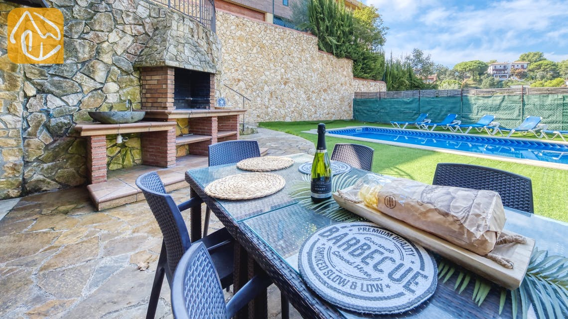 Holiday villas Costa Brava Spain - Villa Nicky - BBQ Area