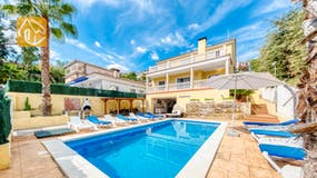 Holiday villas Costa Brava Spain - Villa Ashley - Swimming pool