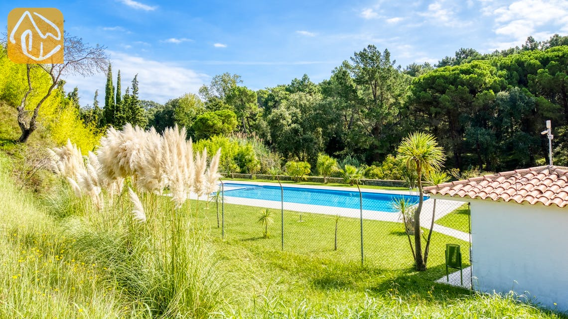 Holiday villas Costa Brava Spain - Casa Pilar - Communal pool