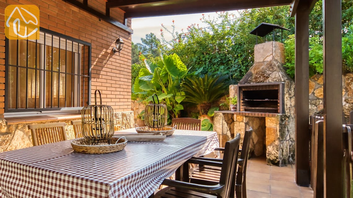 Holiday villas Costa Brava Spain - Villa Alba - BBQ Area