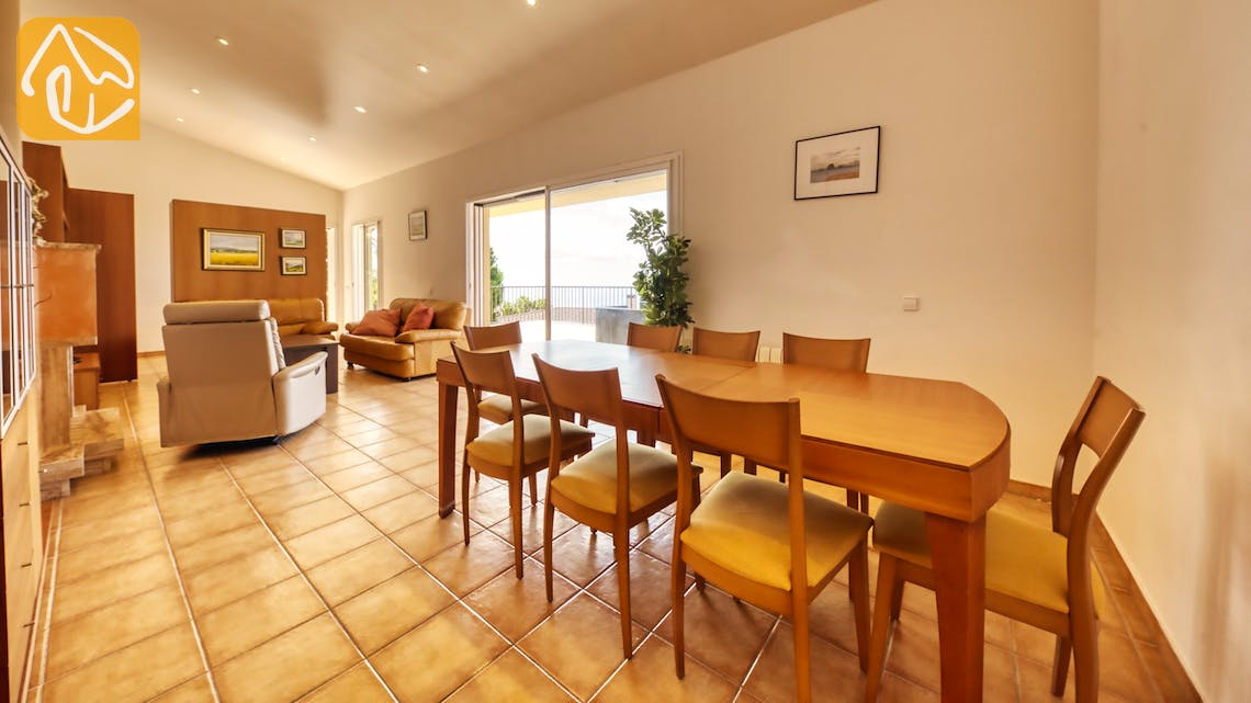 Holiday villas Costa Brava Spain - Villa Mauri - Dining area