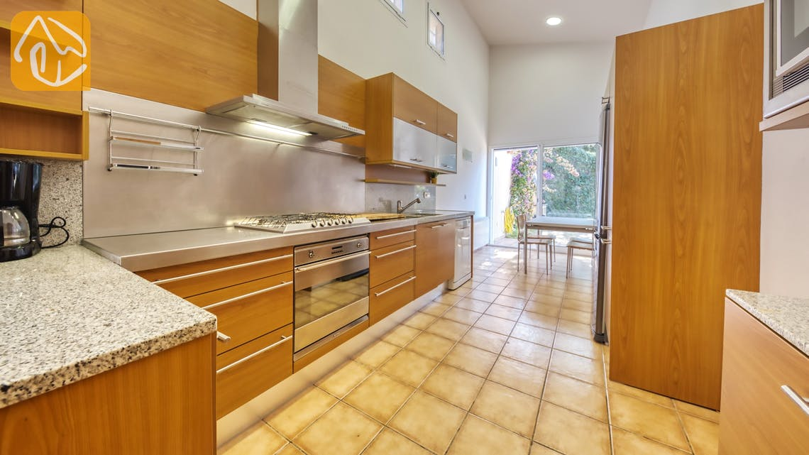 Holiday villas Costa Brava Spain - Villa Mauri - Kitchen