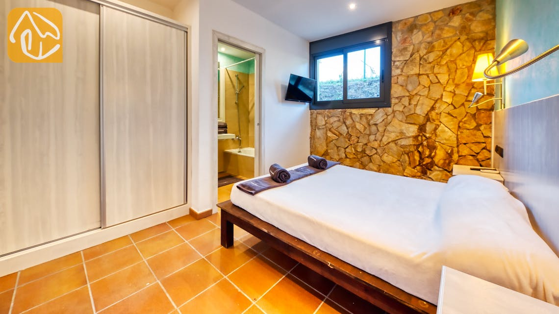 Holiday villas Costa Brava Spain - Villa Can Bernardi - Bedroom