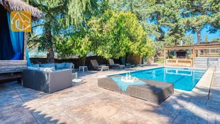 Holiday villas Costa Brava Spain - Villa Can Bernardi - Swimming pool