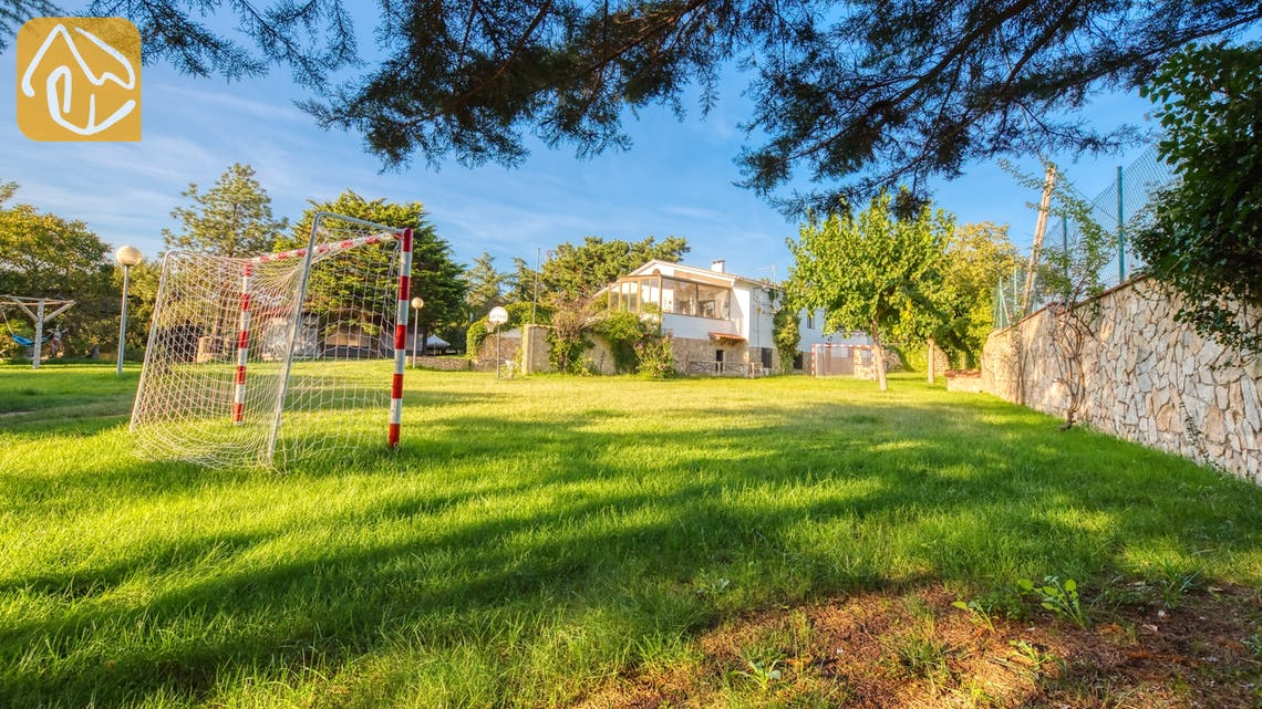 Holiday villas Costa Brava Countryside Spain - Villa Can Bernardi - Play area