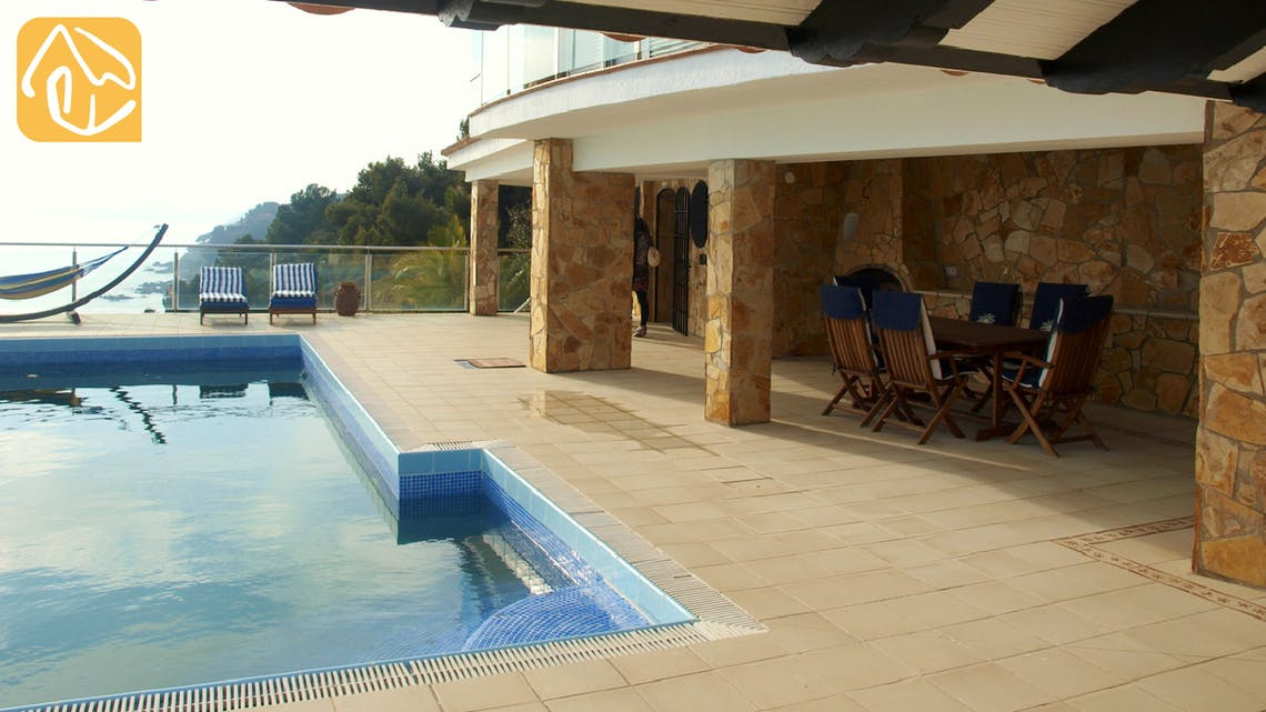 Holiday villas Costa Brava Spain - Villa Infinity - Terrace