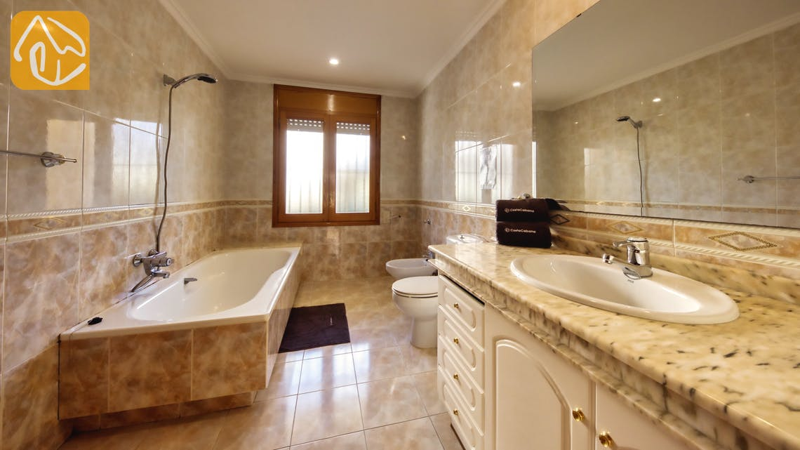 Holiday villas Costa Brava Spain - Villa Baileys - Bathroom