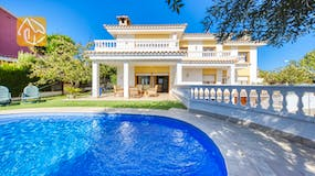 Holiday villa Costa Brava Spain - Villa Baileys - Swimming pool