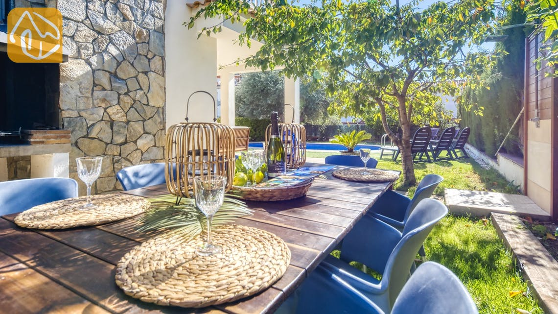Ferienhäuser Costa Brava Spanien - Villa Baileys - BBQ Area