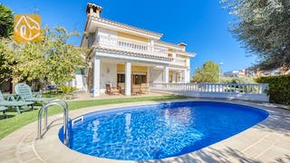Holiday villas Costa Brava Spain - Villa Baileys - Swimming pool