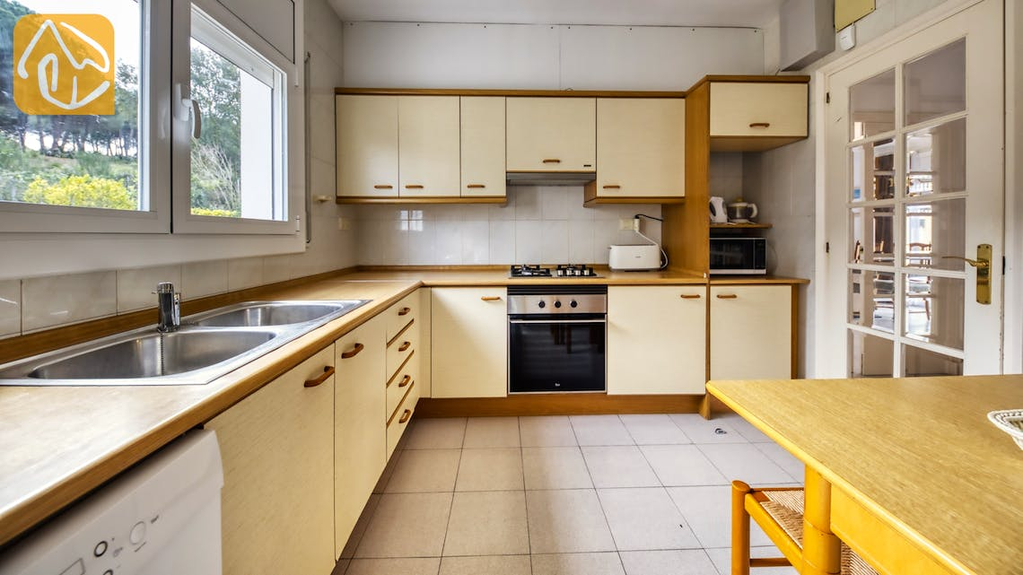 Holiday villas Costa Brava Spain - Villa Miro - Kitchen