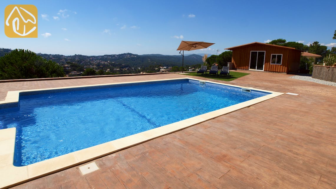 Holiday villas Costa Brava Spain - Villa Luna - Surroundings