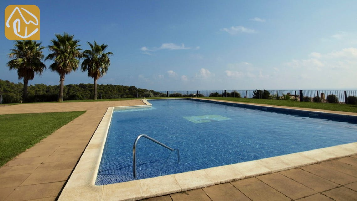 Holiday villas Costa Brava Spain - Casa Oneill - Communal pool